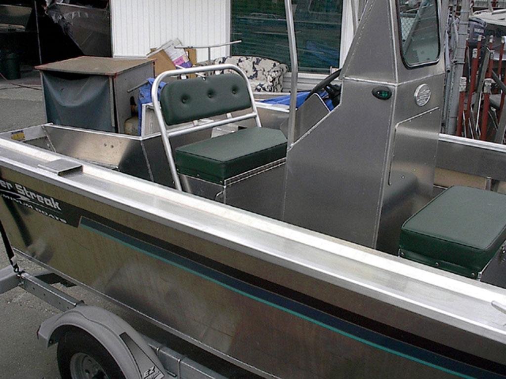 17 Centre Console Aluminum Boat