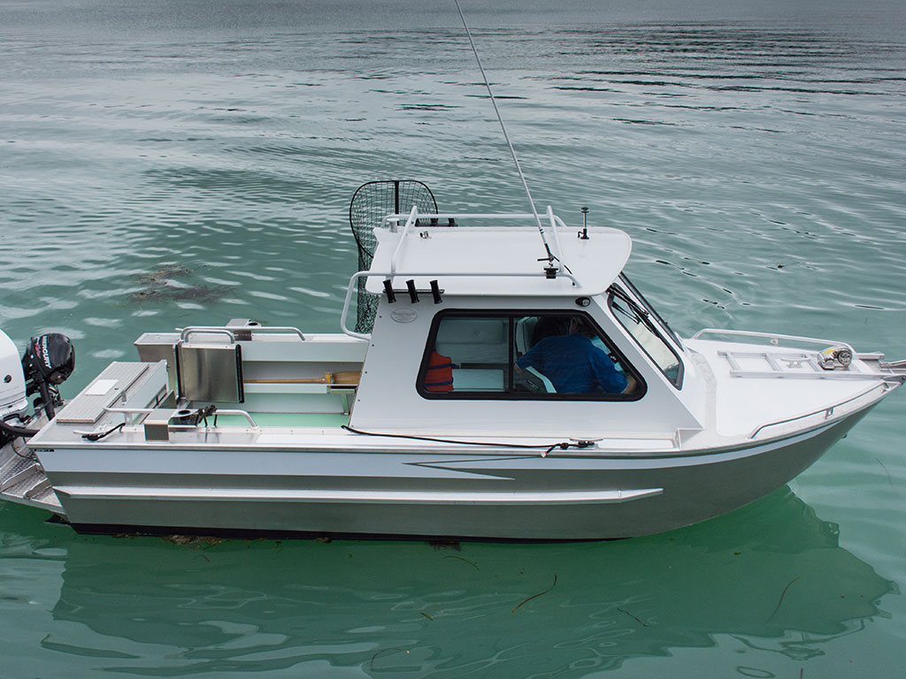 21 Renfew Hard Top Aluminum Boat Hand Crafted By Silver