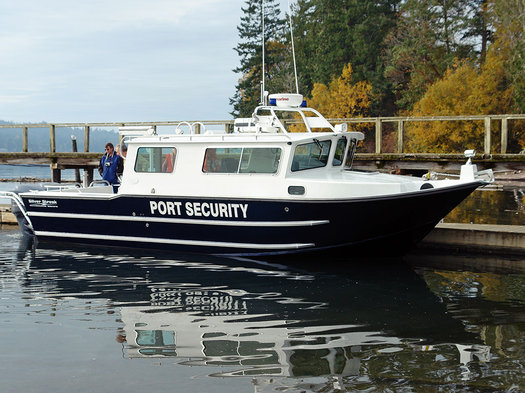 Cheap cabin boats for Best small cabin boats
