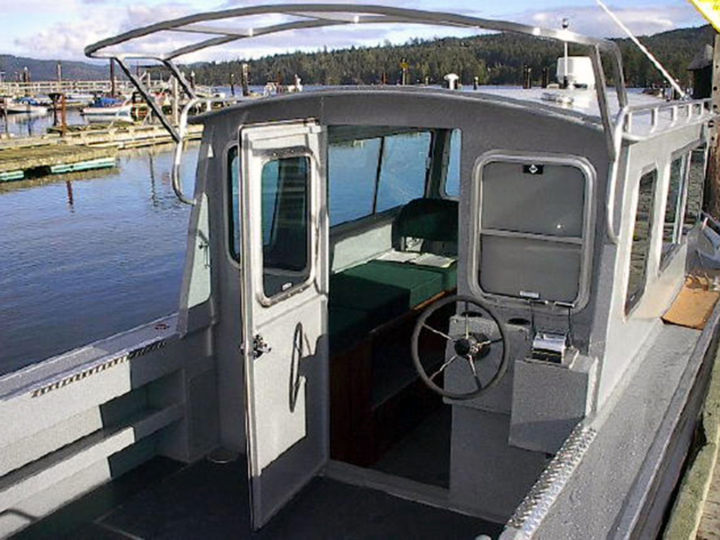 25 39 nitinat aluminum cabin boat by silver streak boats for Best small cabin boats