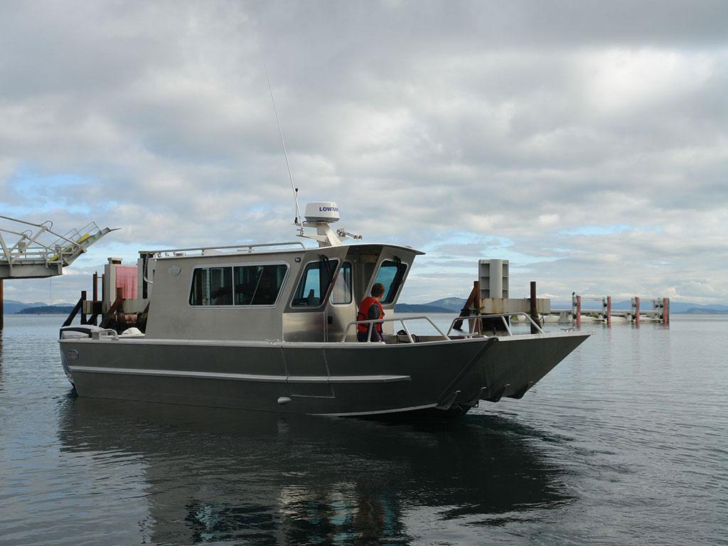 25' San Juan Landing Craft Cabin Aluminum Boat by Silver Streak Boats