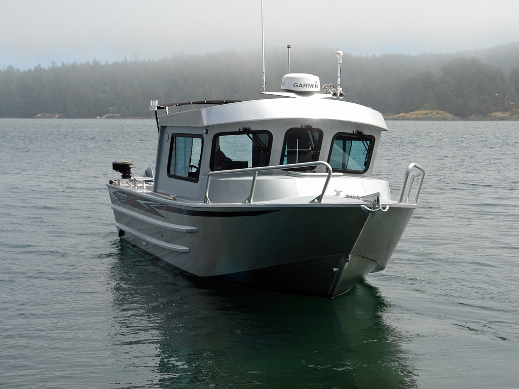 26 39 nitinat aluminum cabin boat by silver streak boats for Best small cabin boats
