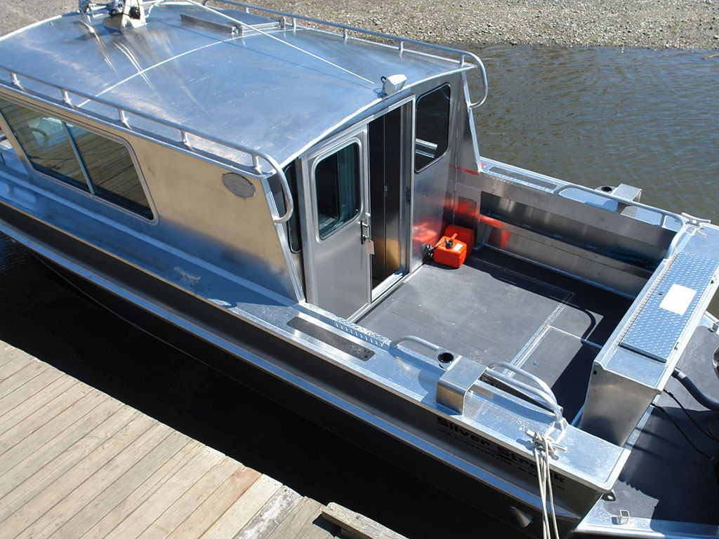27 39 nitinat aluminum cabin boat by silver streak boats for Boat cabin entry doors