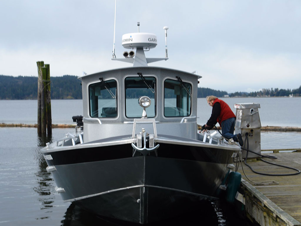 32' Pilot House Aluminum Boat by Silver Streak Boats