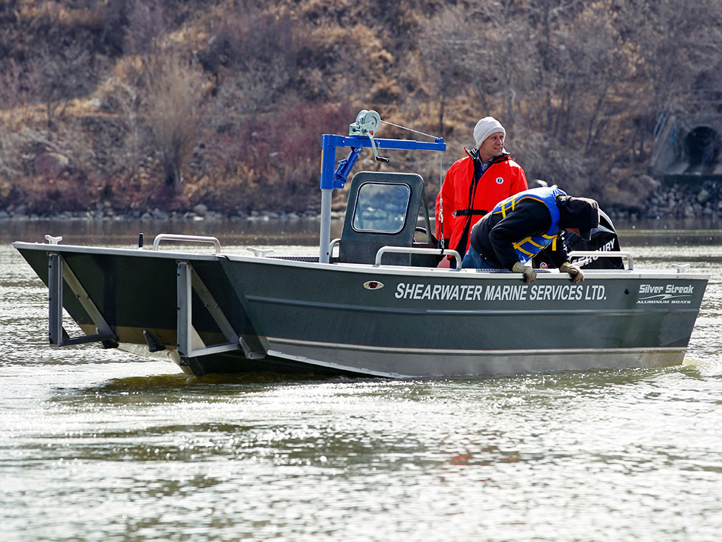 18' Sportsman Landing Craft Side Console Aluminum Boat