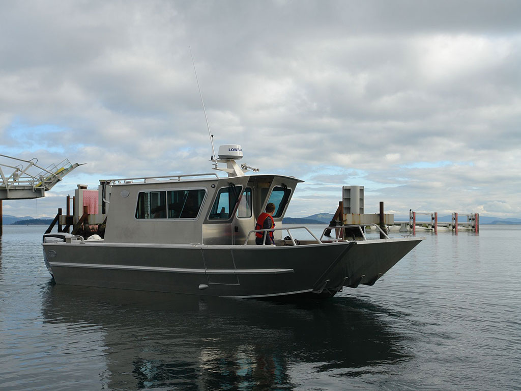 Duck Hunting Boats For Sale >> 25' San Juan Landing Craft Cabin Aluminum Boat by Silver ...
